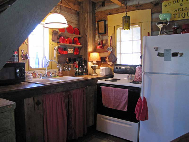 -Antique-kitchen