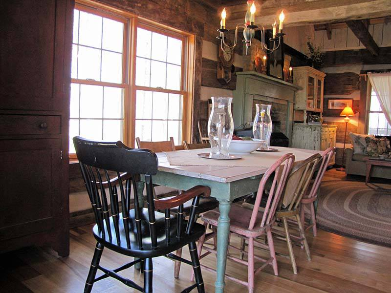 -kelly-reed-cabin-dining-room
